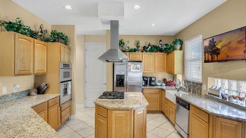 2421-Lake-St--Deltona--FL-32738----16---Kitchen.jpg