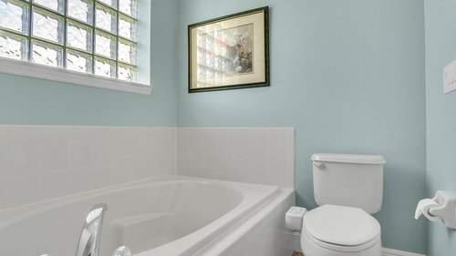 2421-Lake-St--Deltona--FL-32738----26---Master-Bathroom.jpg
