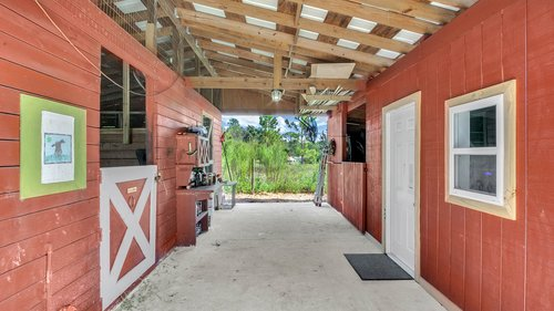 2421-Lake-St--Deltona--FL-32738----32---Barn.jpg