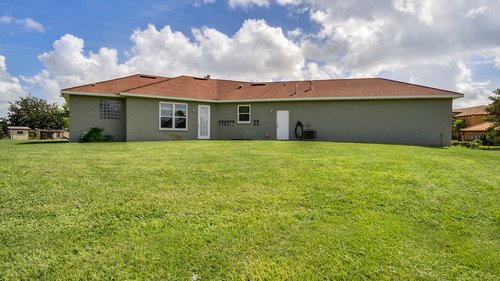 2421-Lake-St--Deltona--FL-32738----33---Backyard.jpg