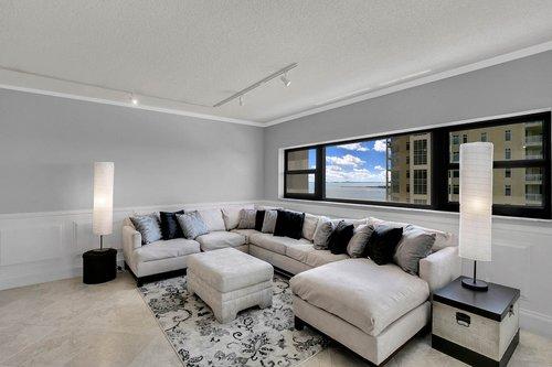 4141-Bayshore-Blvd.--1603-Tampa--FL-33611--04--Living-Room-1---2.jpg