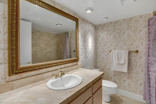 4141-Bayshore-Blvd.--1603-Tampa--FL-33611--14--Main-Bath.jpg