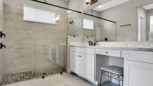 830-Easley-Ave--Winter-Garden--FL-34787----27---Master-Bathroom.jpg