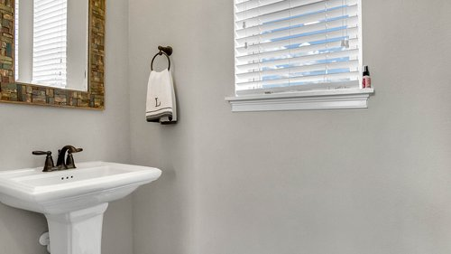 830-Easley-Ave--Winter-Garden--FL-34787----35---Bathroom.jpg