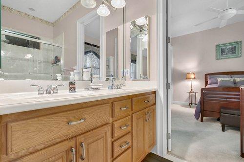 1585-Kennesaw-Dr--Clermont--FL-34711----27---Bathroom.jpg
