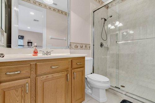 1585-Kennesaw-Dr--Clermont--FL-34711----28---Bathroom.jpg