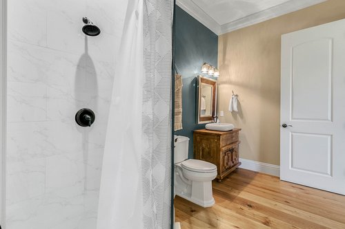 32045-Jack-Russell-Ct--Dade-City--FL-33525----01---Bathroom.jpg