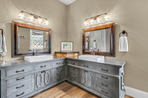 32045-Jack-Russell-Ct--Dade-City--FL-33525----17---Master-Bathroom.jpg