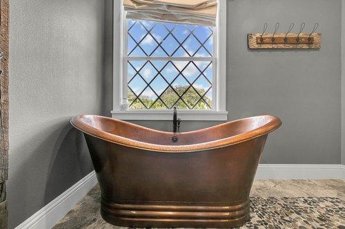 32045-Jack-Russell-Ct--Dade-City--FL-33525----19---Master-Bathroom.jpg