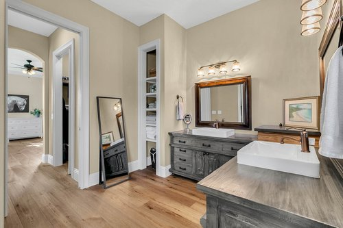 32045-Jack-Russell-Ct--Dade-City--FL-33525----20---Master-Bathroom.jpg