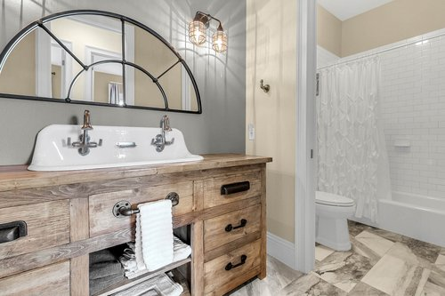 32045-Jack-Russell-Ct--Dade-City--FL-33525----24---Bathroom.jpg