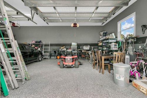 32045-Jack-Russell-Ct--Dade-City--FL-33525----31---Garage.jpg