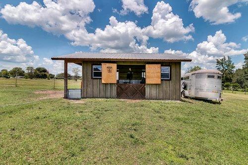32045-Jack-Russell-Ct--Dade-City--FL-33525----32---Barn.jpg