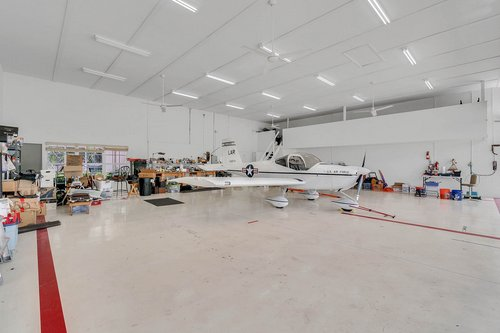 1820-Eagle-Crest-Dr--Port-Orange--Fl-32128----24---Hangar.jpg