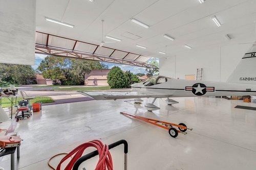 1820-Eagle-Crest-Dr--Port-Orange--Fl-32128----26---Hangar.jpg