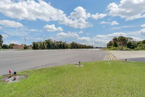 1820-Eagle-Crest-Dr--Port-Orange--Fl-32128----28---Private-Runway.jpg