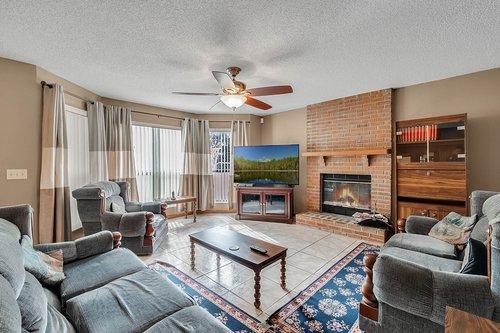 5107-Scarsdale-Manor-Ln--Orlando--FL-32818----10---Family-Room.jpg