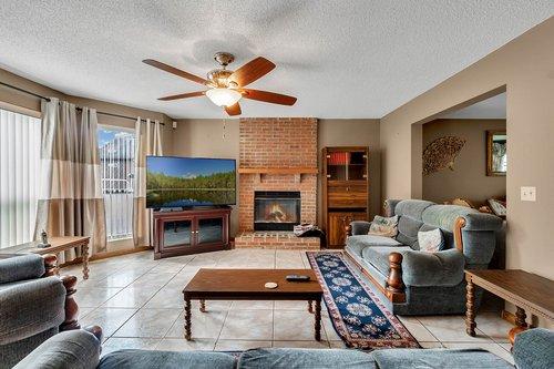 5107-Scarsdale-Manor-Ln--Orlando--FL-32818----11---Family-Room.jpg