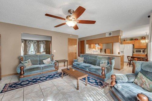 5107-Scarsdale-Manor-Ln--Orlando--FL-32818----12---Family-Room.jpg