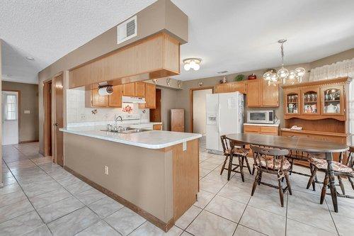 5107-Scarsdale-Manor-Ln--Orlando--FL-32818----13---Kitchen.jpg