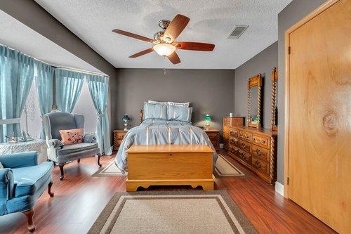 5107-Scarsdale-Manor-Ln--Orlando--FL-32818----19---Master-Bedroom.jpg