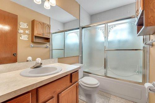 5107-Scarsdale-Manor-Ln--Orlando--FL-32818----23---Bathroom.jpg