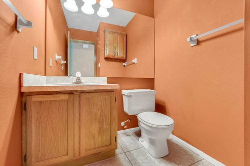5107-Scarsdale-Manor-Ln--Orlando--FL-32818----26---Bathroom.jpg