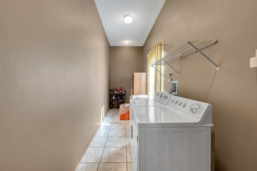 5107-Scarsdale-Manor-Ln--Orlando--FL-32818----27---Laundry.jpg