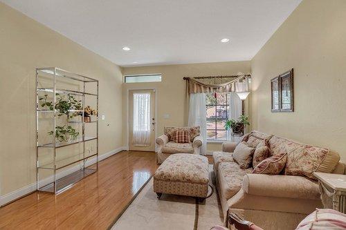 4612-North-20th-St.-Tampa--FL-33610--04--Living-Room-1--2.jpg