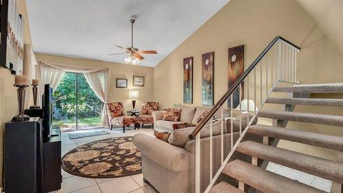 641-Woodridge-Dr--Fern-Park--FL-32730----06---Family-Room.jpg