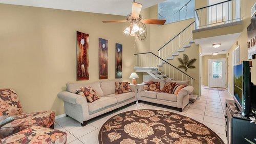 641-Woodridge-Dr--Fern-Park--FL-32730----07---Family-Room.jpg