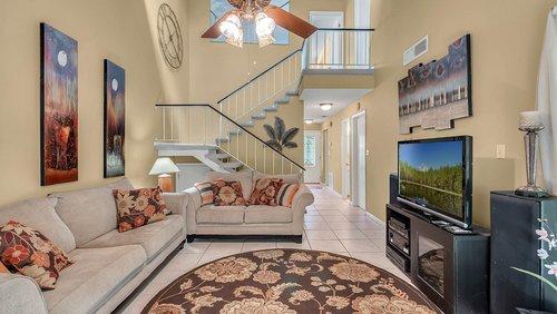 641-Woodridge-Dr--Fern-Park--FL-32730----08---Family-Room.jpg