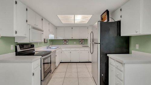 641-Woodridge-Dr--Fern-Park--FL-32730----09---Kitchen-Edit.jpg