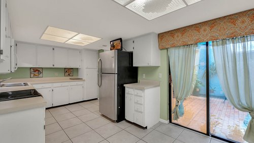 641-Woodridge-Dr--Fern-Park--FL-32730----10---Kitchen-Edit.jpg