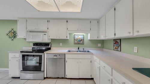 641-Woodridge-Dr--Fern-Park--FL-32730----11---Kitchen.jpg