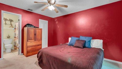 641-Woodridge-Dr--Fern-Park--FL-32730----14---Master-Bedroom.jpg