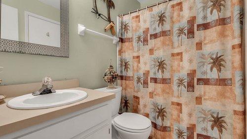 641-Woodridge-Dr--Fern-Park--FL-32730----17---Master-Bathroom.jpg