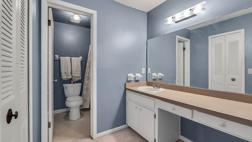 641-Woodridge-Dr--Fern-Park--FL-32730----19---Bathroom.jpg