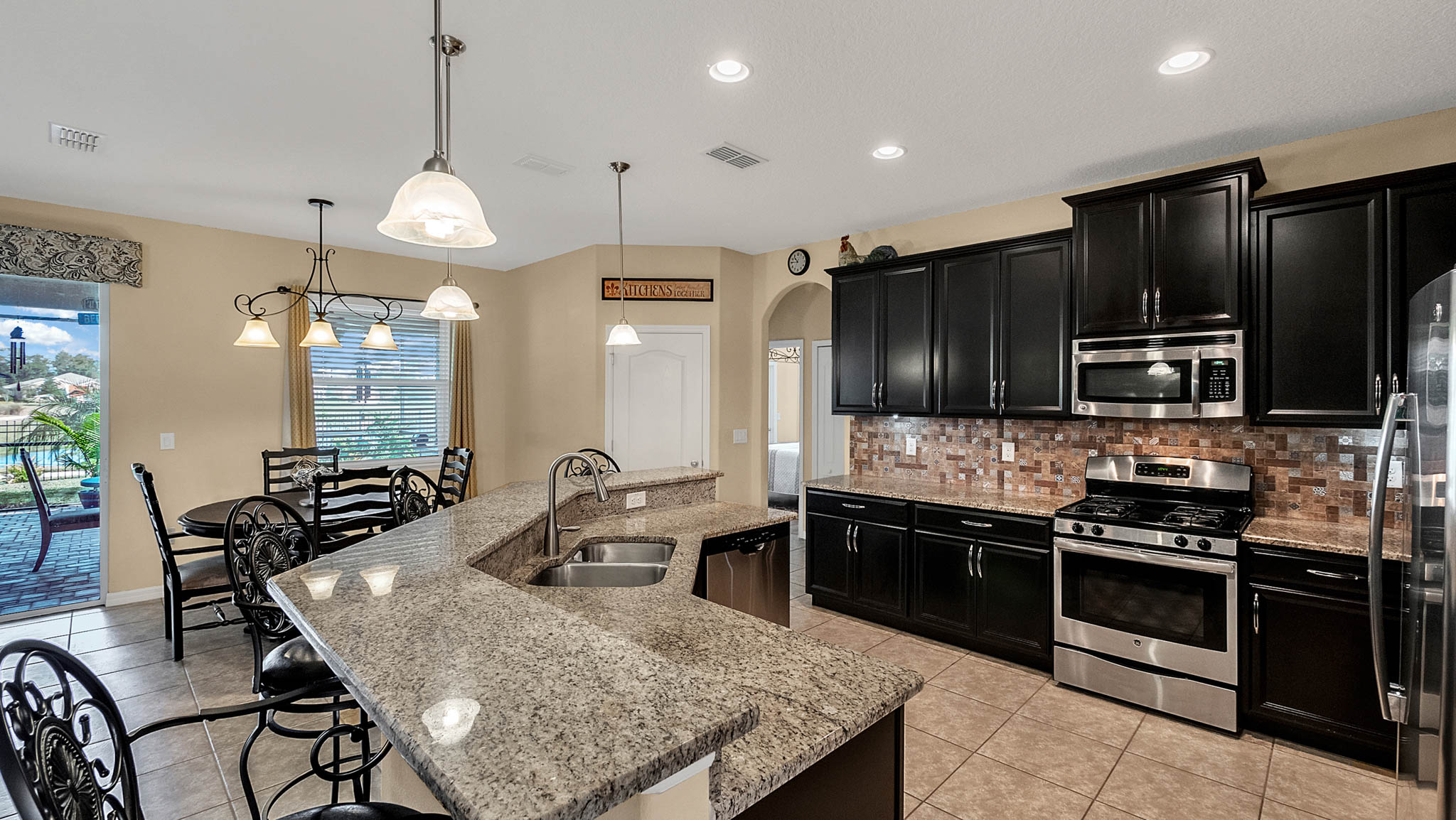 105-W-Cherry-Pl--DeLand--FL-32724----10---Kitchen.jpg