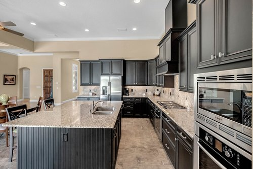 11755-Waterstone-Loop-Dr--Windermere--FL-34786----18---Kitchen.jpg