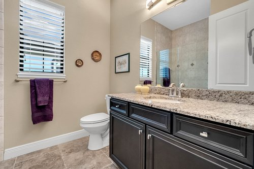 11755-Waterstone-Loop-Dr--Windermere--FL-34786----29---Bathroom.jpg
