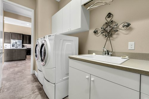 11755-Waterstone-Loop-Dr--Windermere--FL-34786----30---Laundry.jpg
