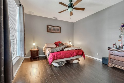 604-Canne-Pl--Celebration--FL-34747----12---Master-Bedroom.jpg