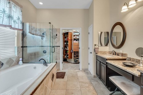 604-Canne-Pl--Celebration--FL-34747----14---Master-Bathroom.jpg
