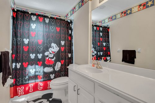 604-Canne-Pl--Celebration--FL-34747----16---Bathroom.jpg