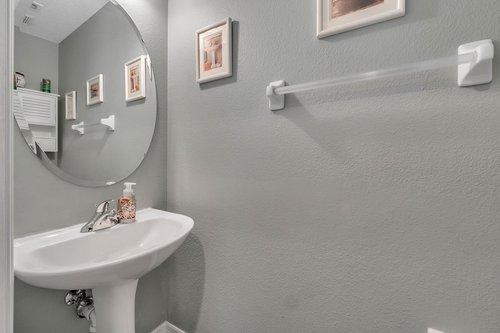 604-Canne-Pl--Celebration--FL-34747----20---Bathroom.jpg