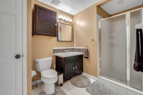 604-Canne-Pl--Celebration--FL-34747----21---Bathroom.jpg