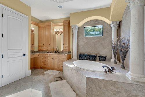 7726-Markham-Bend-Pl--Sanford--FL-32771----25---Master-Bathroom.jpg