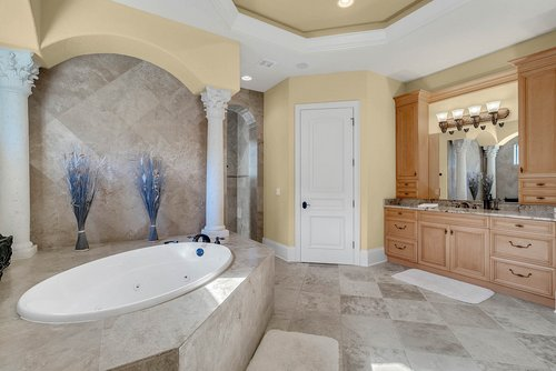 7726-Markham-Bend-Pl--Sanford--FL-32771----26---Master-Bathroom.jpg