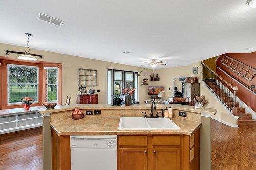 202-Ridgeway-Blvd--DeLand--FL-32724----17---Kitchen.jpg